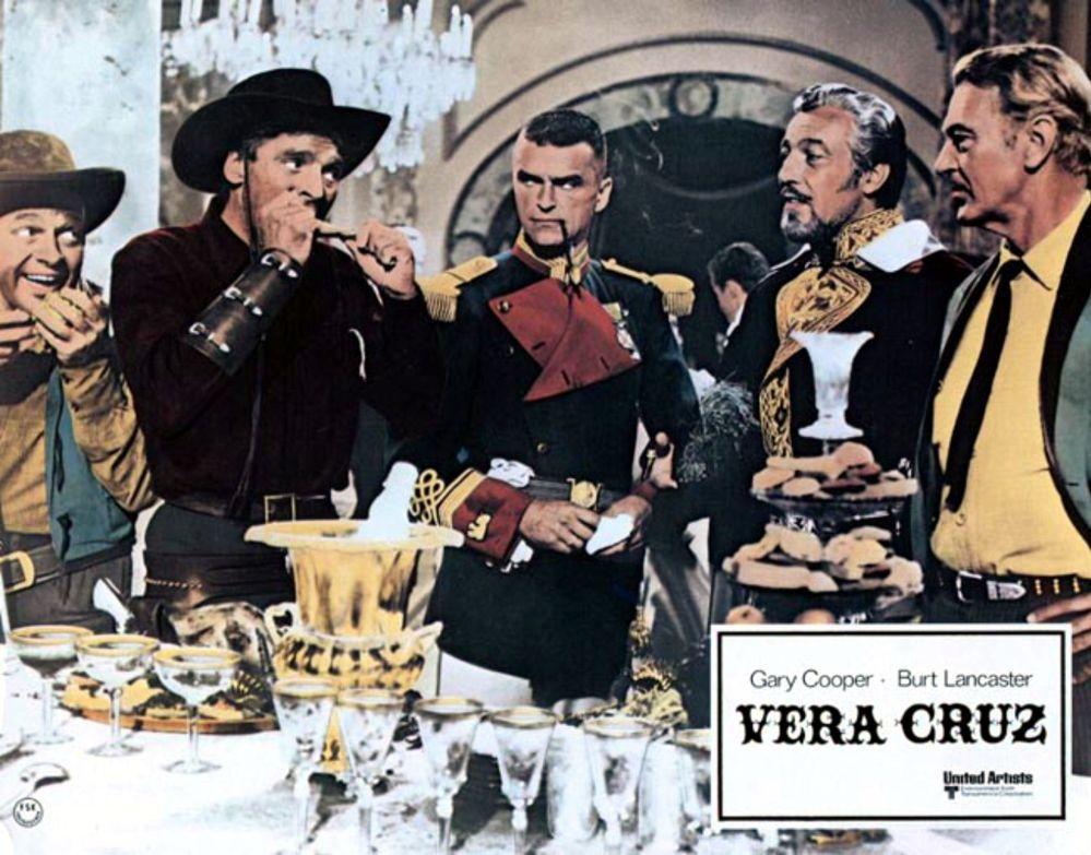 Vera Cruz - chowing down at the palace