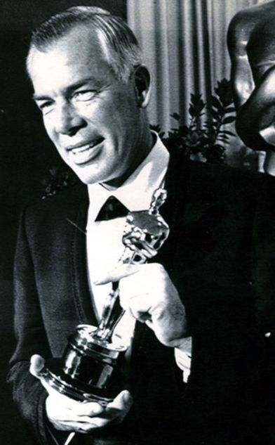 Cat Ballou - Lee Marvin with Oscar