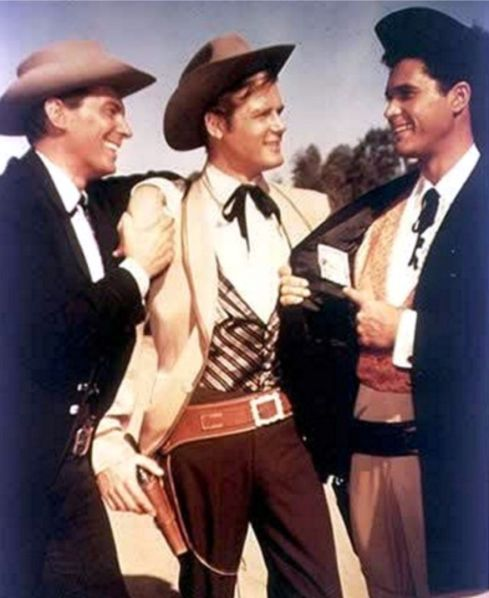 Jack Kelly, Beau Maverick (Roger Moore) Garner