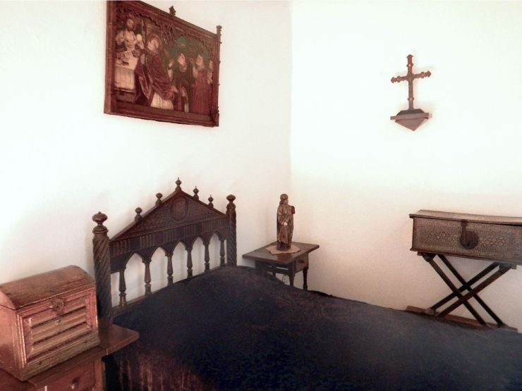 Columbus House bedroom 2
