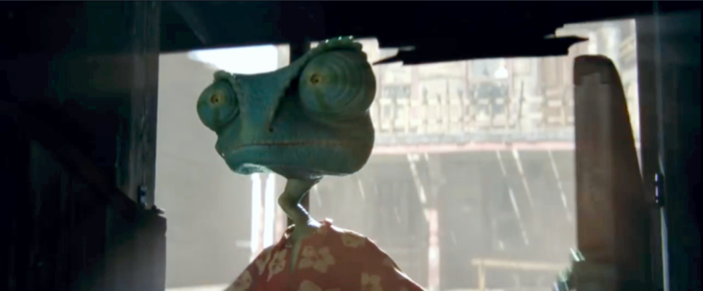 rango-enters-the-bar