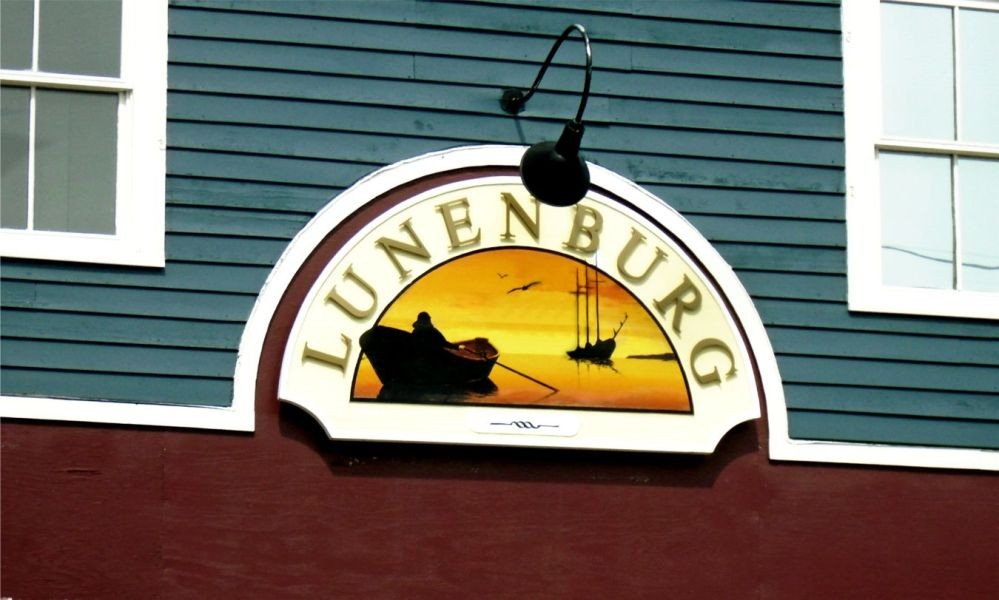 lunenburg-heritage-sign